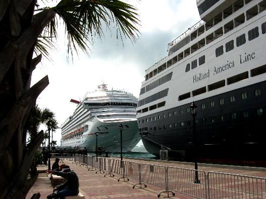 Mallory Square Cruise Ships - Cruise ships key west